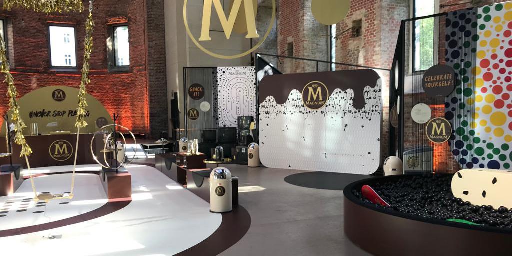 floorgraphics freeswerk 1- beursstand Magnum - Dekalu