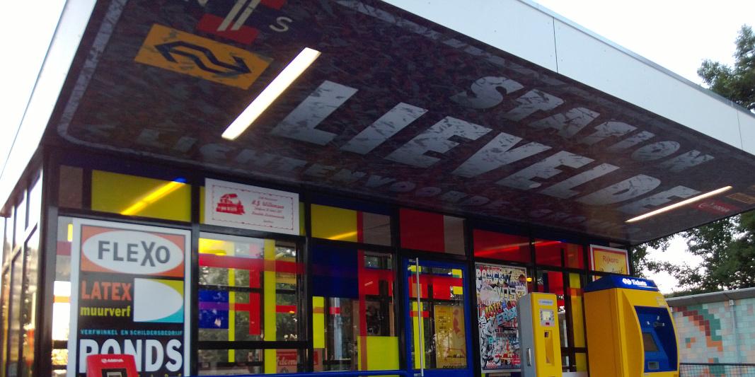 foliedruk glasfolie (3) Raamfolie - Station Lievelde - Dekalu